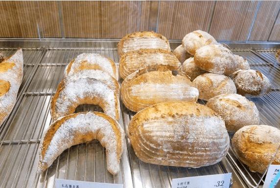 半丘面包加盟前景